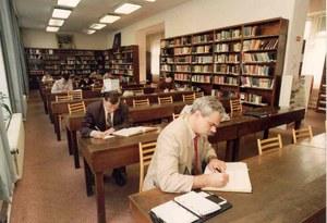 Obr. 3 Studovna v roce 1994 (archiv MSVK).jpg