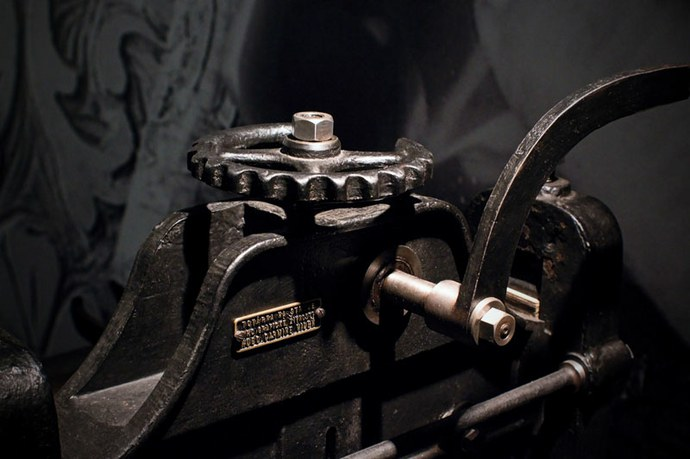 Obr. 6 Detail ručního tiskařského lisu Foto Jiří Švestka.jpg